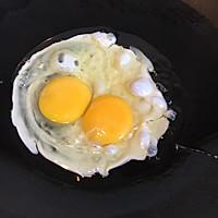 #晒出你的团圆大餐#X0酱菠萝粒鸡蛋炒饭的做法图解2