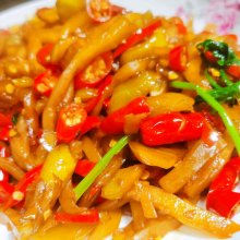 小米辣炒榨菜丝