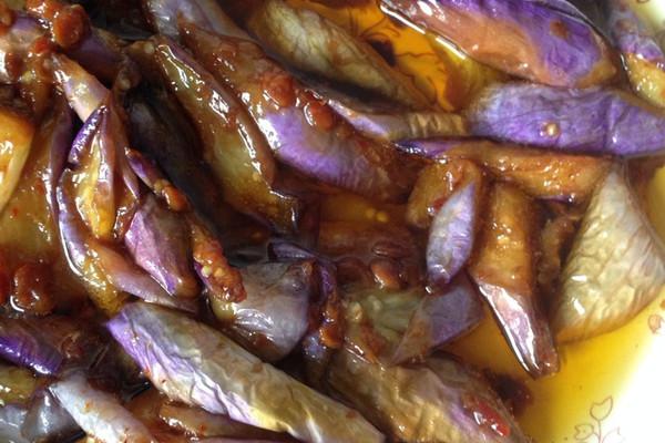 黄豆酱闷茄子的做法