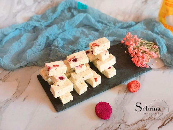 冬日必备糖果——牛轧糖的做法