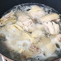 #餐桌上的春日限定#春笋鲜鸡汤的做法图解2