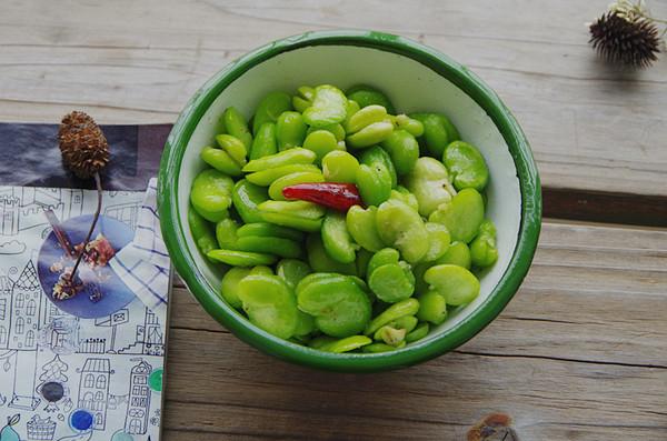 应季食材-清炒蚕豆米的做法