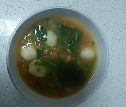 简单美味~西红柿菠菜鱼丸汤的做法