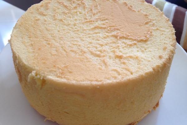 六寸超柔软戚风蛋糕的做法