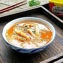 #春日时令,美味尝鲜#辣酱鸡爪豆芽汤