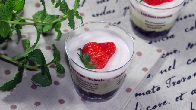 草莓抹茶双味幕斯的做法