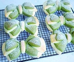 双色蝴蝶结面包❗夏日里的一抹绿的做法