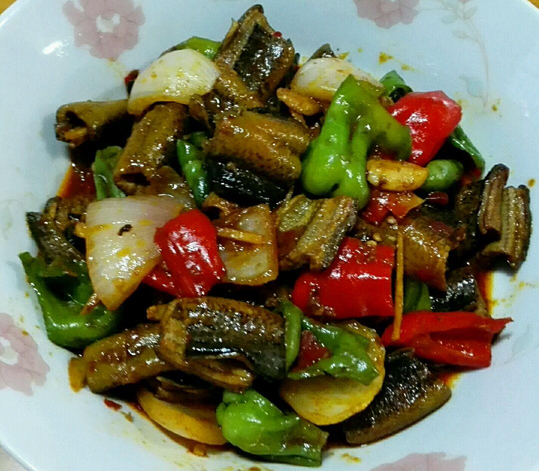 香菇煲鸡汤的做法_红烧鳝鱼怎么做_红烧鳝鱼的做法_doreen2015_豆果美食