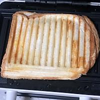 蟹柳鸡蛋芝士三明治的做法图解8