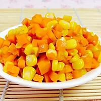 素食主义:玉米炒红萝卜的做法图解3
