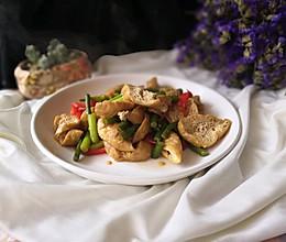 油豆腐炒蒜苔#太太乐鲜鸡汁蒸鸡原汤#的做法