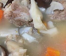 时蔬菌类大骨汤的做法