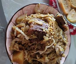 猪骨头烩酸菜的做法