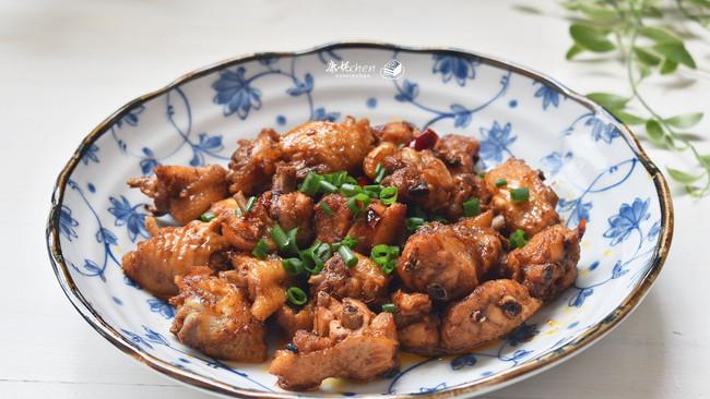 #一人一道拿手菜#麻辣鸡翅的做法