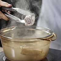 美肤又补钙的肉骨奶茶的做法图解1