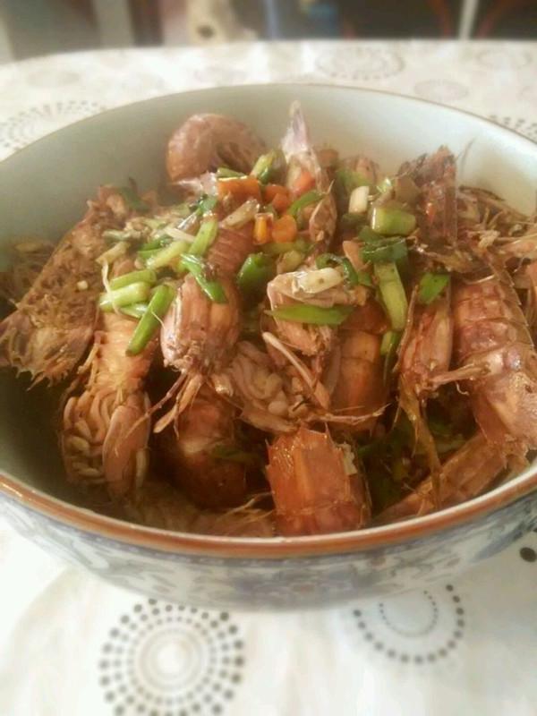 炒濑尿虾的做法