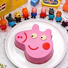 小猪佩奇火龙果慕斯蛋糕