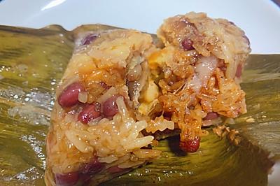 入口即化的香菇蛋黄肉粽子