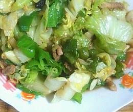 卷心菜炒肉的做法