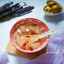 冰糖雪梨银耳甜汤