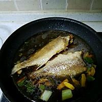 小黄鱼烧蘑菇的做法图解5