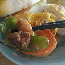 胡萝卜青椒滑炒牛肉片