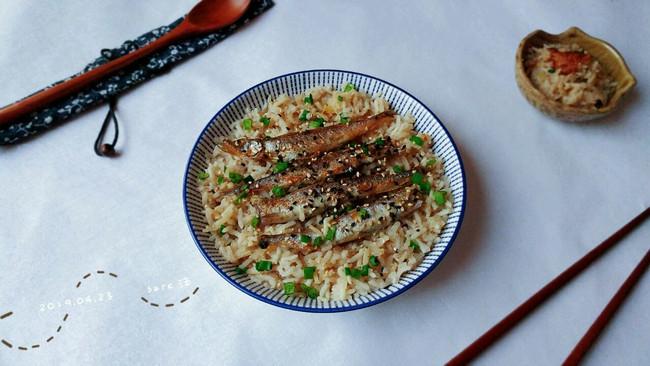 酒姜油煎鱼焖饭的做法