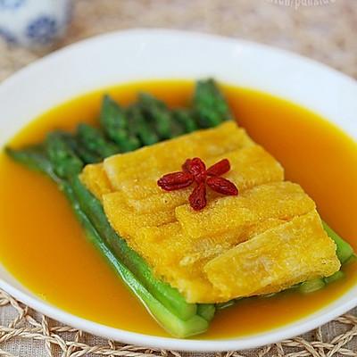 金汤竹荪扒芦笋