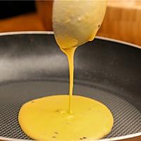 黑芝麻鸡蛋卷,这样做就能酥的不要不要的。的做法图解5