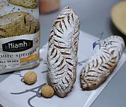 #Niamh一步搞定懒人面包#红糖发芽黑麦欧包的做法
