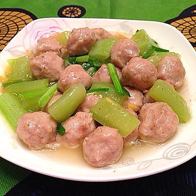 黄瓜烩肉丸