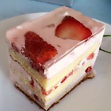 草莓慕斯蛋糕~简单~和蛋糕店的味道一样