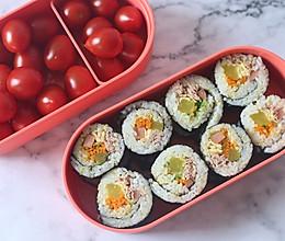 #硬核菜谱制作人# 金枪鱼寿司的做法