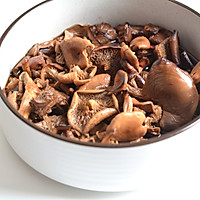 小鸡蘑菇炖粉条的做法图解2