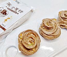 全麦粉玫瑰花煎饺#年味十足的中式面点#的做法