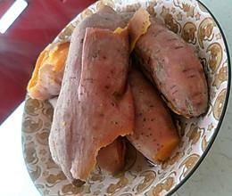 红薯洗净加清水没过红薯蒸煮20分钟捞出晾凉即可食用的做法
