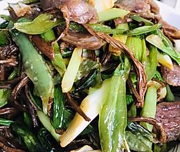 干茶树菇炒灌肠的做法