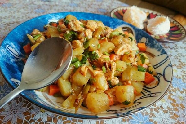 减脂土豆鸡胸肉沙拉的做法