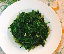#餐桌上的春日限定#蒜香豌豆苗的做法