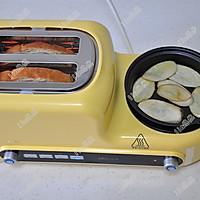 美好早晨:烤吐司+秋葵煎蛋的做法图解5