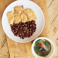 【慢碳饮食】一个人的午餐:煎鸡脯肉+豆子饭+青菜蘑菇汤
