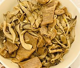 鲜美小炒❤️平菇炒肉片的做法