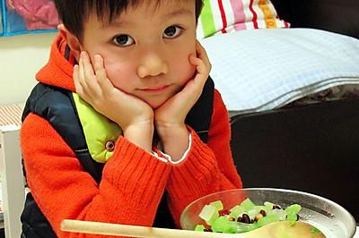 小手做羹汤——宝宝常见健脾养胃类食补处方——花生米拌芹菜