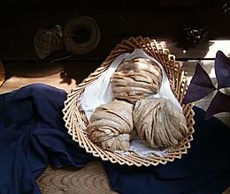 美味芝麻酱黑麦花卷的做法