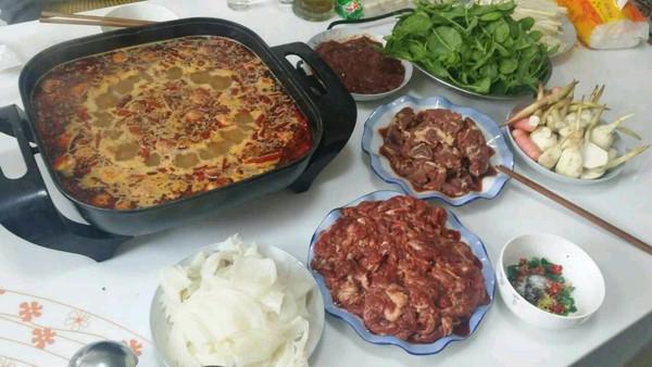 重庆牛油老火锅在自个家吃的做法