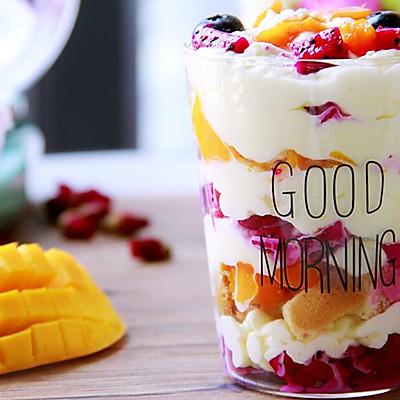 水果杯:一道让你嗅得到夏天味道的甜品!
