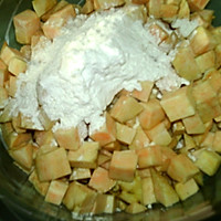 #味达美名厨福气汁,新春添口福# 红薯饼的做法图解3