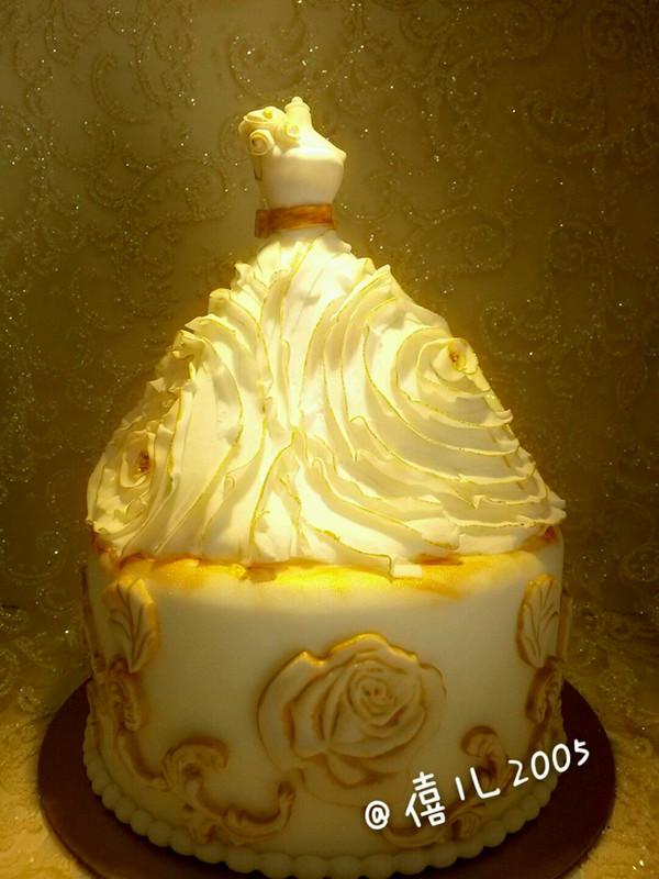 婚礼蛋糕--欧式婚纱的做法