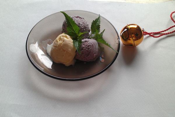 桑葚冰激凌&原味冰激凌的做法