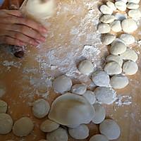 东北菜之猪肉酸菜馅饺子的做法图解6
